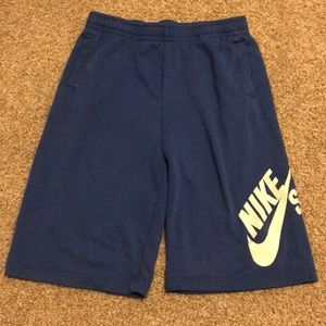 Nike shorts (blue)